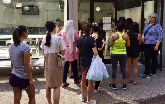 A line of eager customers lined up for Bubble Cool's soft opening in September, 2016, during Fall for Arts.