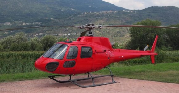 AS 350 similar to the one that crashed in the East River