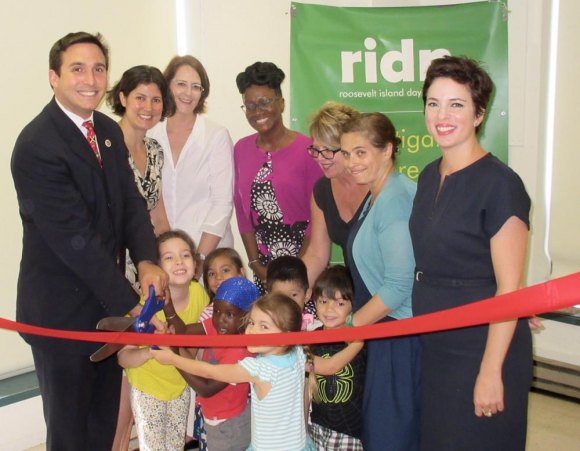 After playing a pivotal role in securing new Pre K seats, Kallos does the ribbon cutting at the Roosevelt Island Day Nursery.
