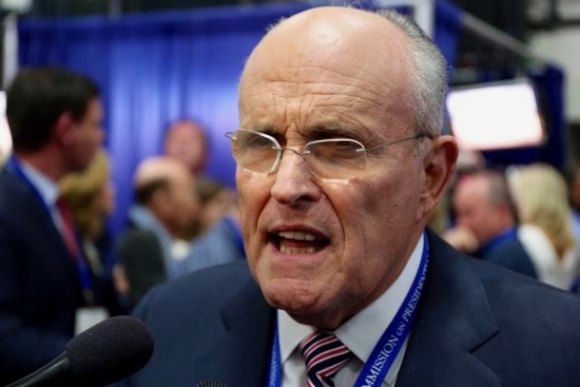 Rudy Giuliani speaks out in support of Donald Trump in 2016