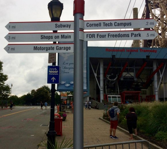 Roosevelt Island Daily Poll: Wayfinding Signs