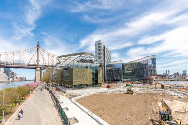 Cornell Tech Nears Completion, Bloomberg Center on the Right