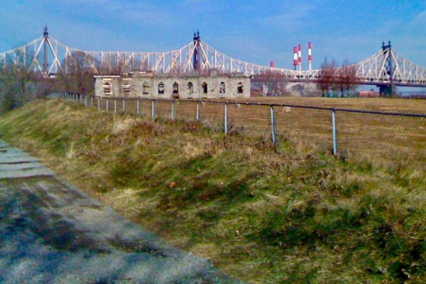 Undeveloped, the southern tip of Roosevelt Island waited nearly four decades for the Park.