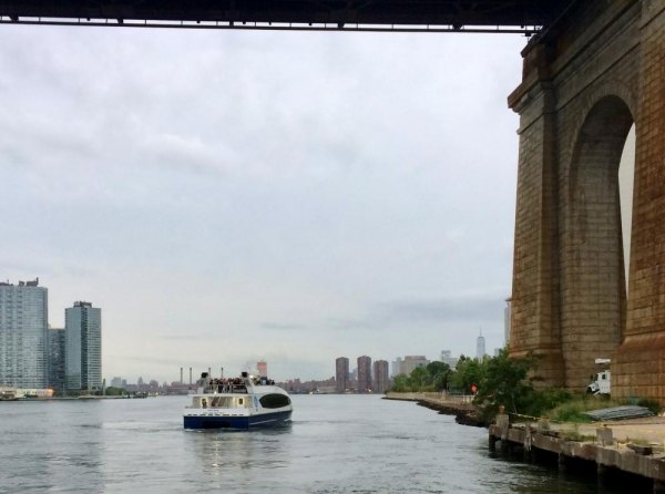 First boat carries passengers south from Roosevelt Island on the way to Long Island City, Midtown and beyond.